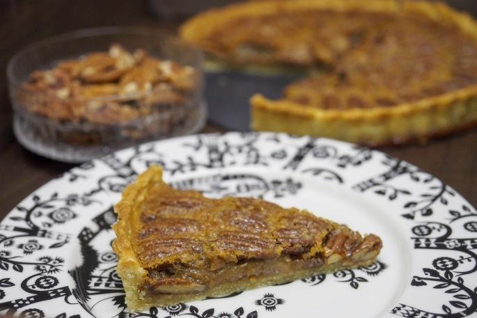 pekaanipähkinä piirakka piiras resepti vaahterasiirappi jälkiruoka Iittala Taika