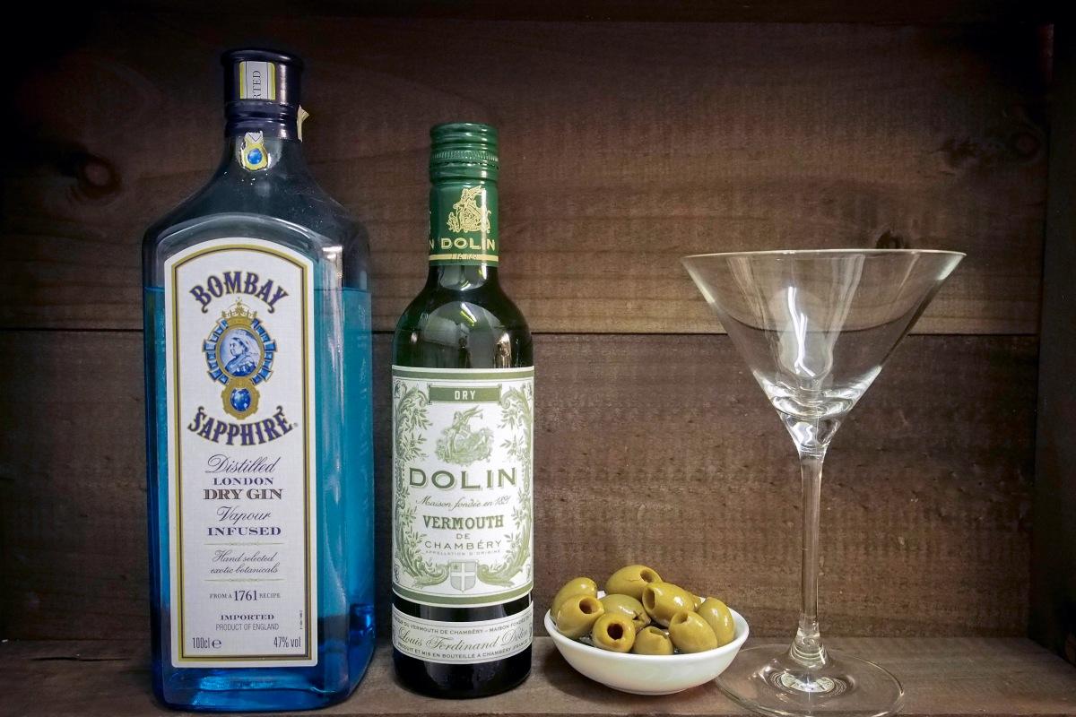 Bombay Sapphire Kuiva vermouth dry oliivi