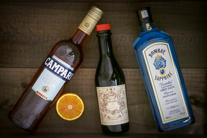Negroni drinkki aperitiivi resepti campari makea vermutti gin gini bombay sapphire