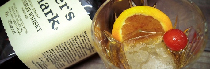 miten tehdään old fashioned cocktail drinkki maker's mark bourbon angostura bitters