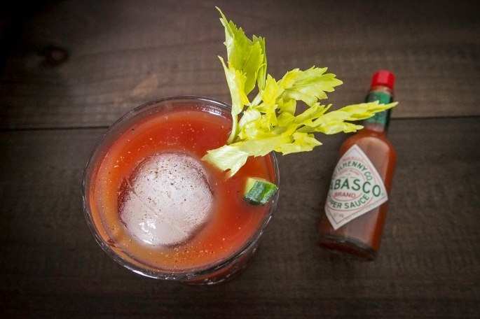 Tomaatti mehu cocktail drinkki Tabasco selleri aamupala brunssi