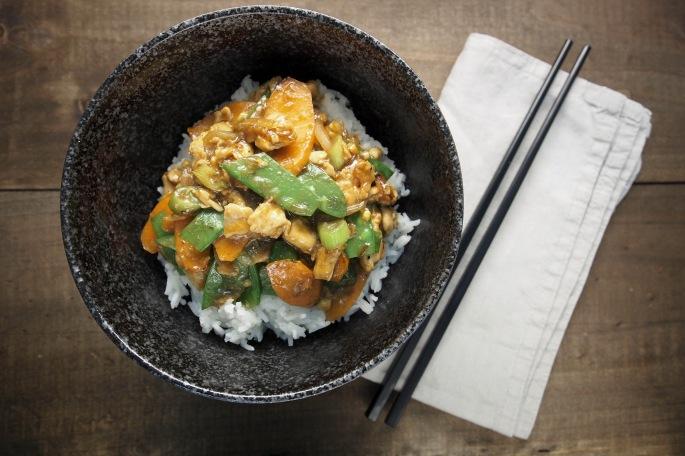 Kiinalainen itse ruoka resepti kana broileri herne palko hoi sin kastike soija kikkoman sake