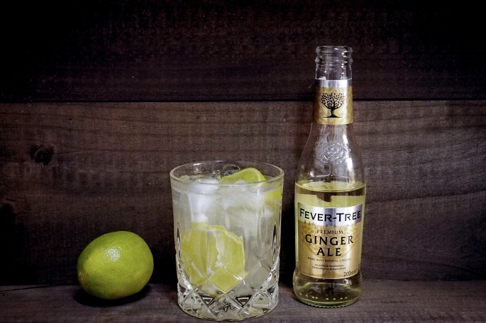 Moskovan muuli drinkki cocktail Fever-Tree ginger ale Gray Goose vodka lime