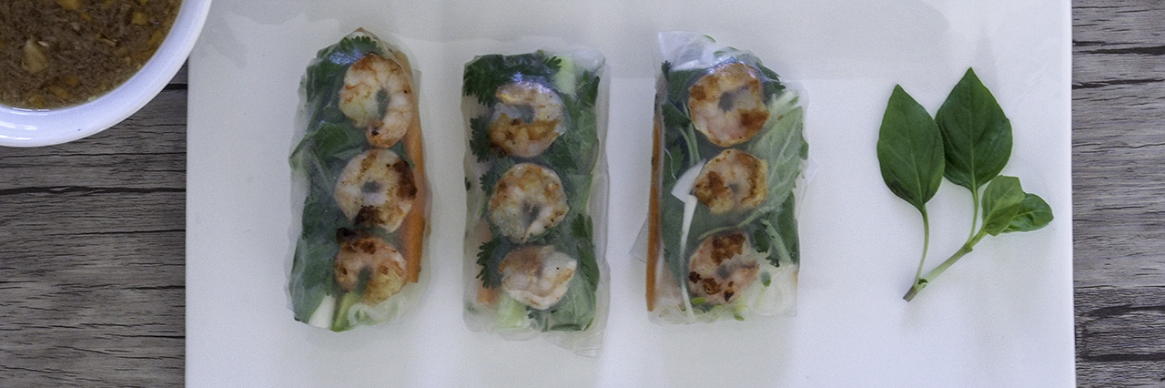 kesärulla riisipaperi rulla katkarapu riisi nuudeli kalakastike maapähkinä kastike dippi