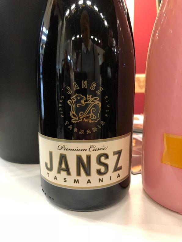Viini ja Ruoka 2018 messut messukeskus viini vinkki lasiin kuohuviini kuohari viini