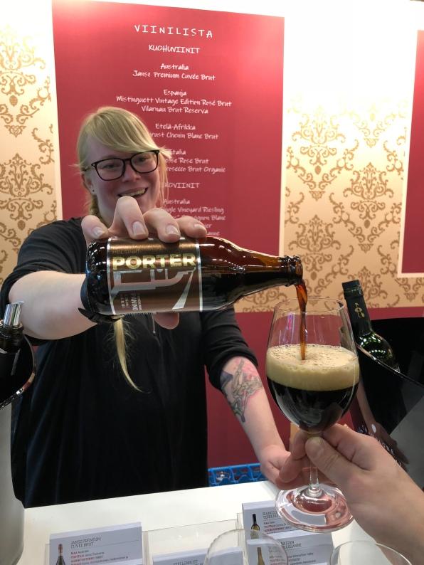 Viini ja Ruoka 2018 messut messukeskus viini vinkki lasiin olut
